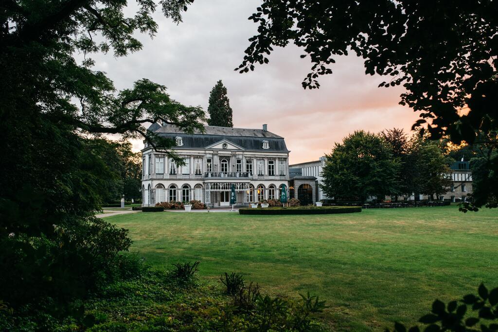 Het kasteel van Buitenplaats Vaeshartelt, een van de leukste boutique hotels van Maastricht en omgeving
