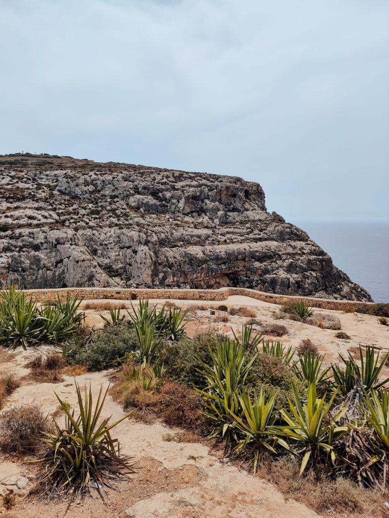 Het wandelpad bij de Blue Grotto viewpoint