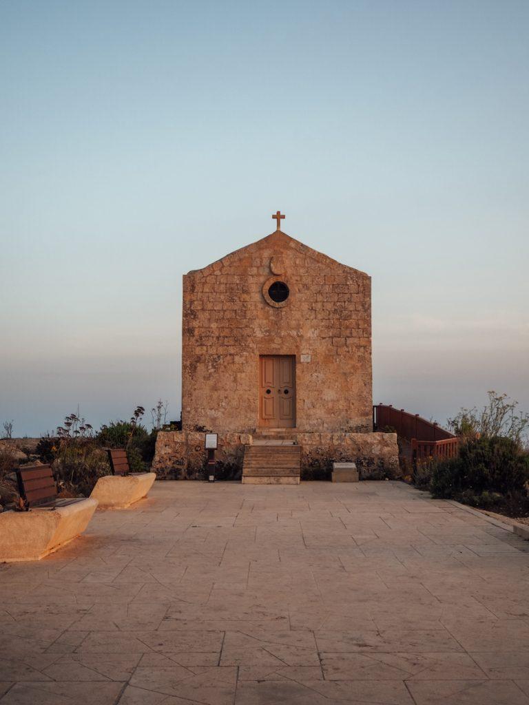 Een kapelletje aan de rand van de Dingli Cliffs