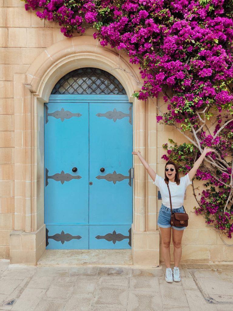 Een van de leukste tips voor Malta eiland is het bezoeken van de Mdina, vol met kleurrijke deuren en huizen