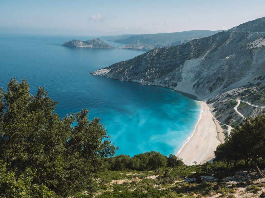 Myrtos Beach wordt vaak bestempeld als een van de beste en mooiste stranden en Kefalonia