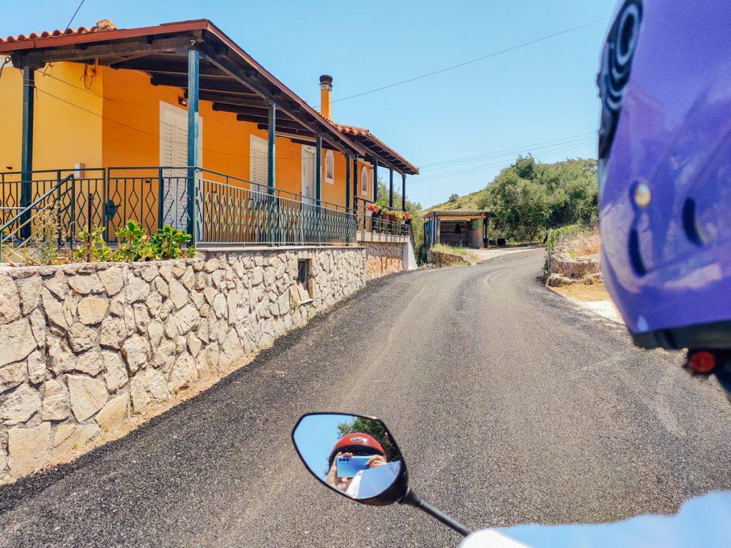 Huur een scooter om de mooiste stranden van Zakynthos te ontdekken