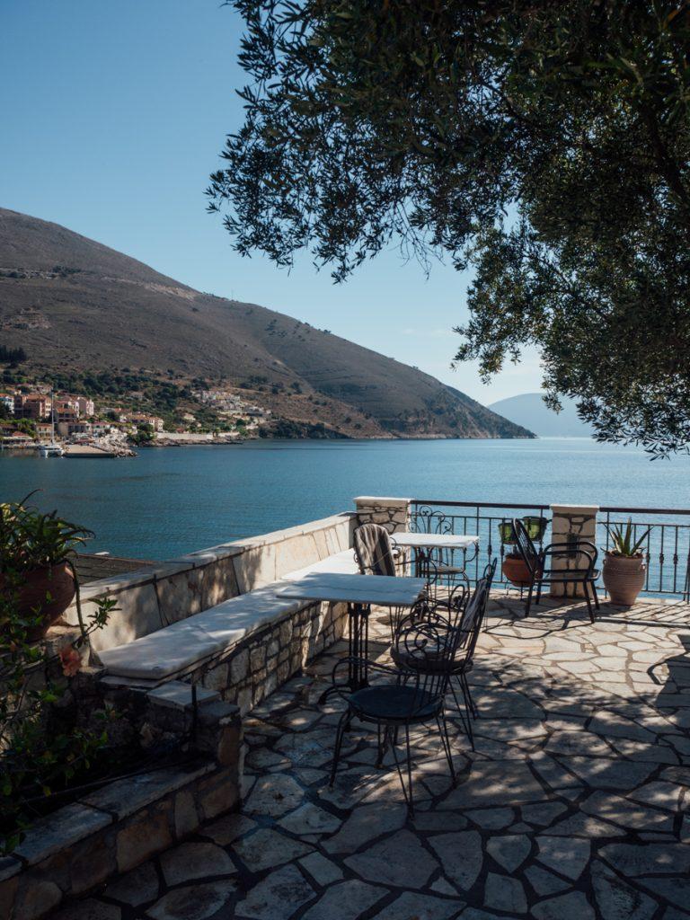 Het terras van het hotel op Kefalonia