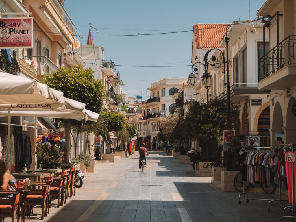 Het straatbeeld van Zakynthos Stad