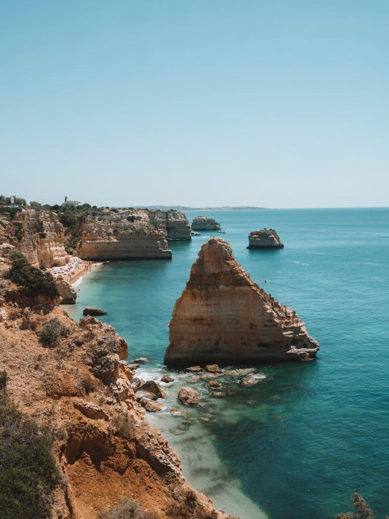 Een van de leukste tips voor wat te doen in de Algarve is hiken langs de kliffen